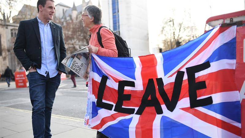 Pro-Brexit demonstrators are seen outside the Houses of Parliament on March 28, 2019 in London [Leon Neal/Getty Images]