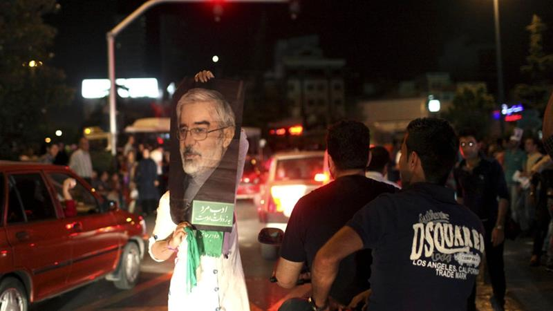 The leader of the Green Movement, Mir Hossein Mousavi, is kept under house arrest since 2011 [Ebrahim Noroozi/AP]