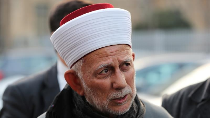 Sheikh Abdel-Azeem Salhab has been issued a 40-day ban from the Al-Aqsa compound [Ammar Awad/Reuters]