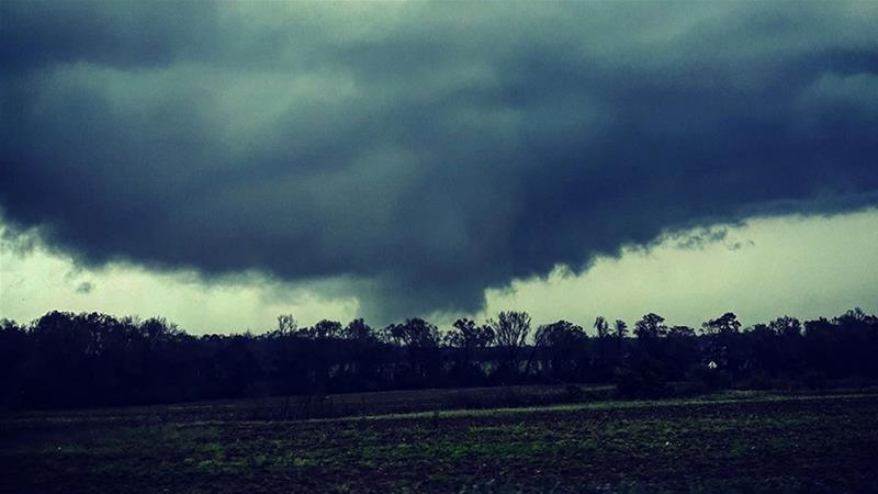 Risky storm sweeps Southern Plains, spawning tornadoes