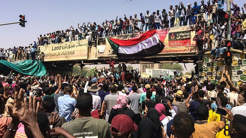 Sukses weer: regime verandering op die Afrika-kontinent, hierdie keer 'n staatsgreep in Soedan (land onder Egipte)