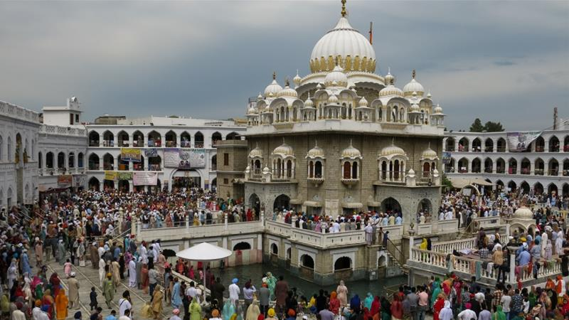 Indian Sikhs celebrate Baisakhi at shrine in Pakistan