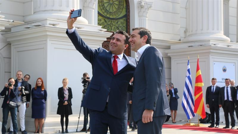 Greek Prime Minister Tsipras is welcomed by his North Macedonian counterpart Zaev in Skopje [Admir Fazlagikj/Anadolu Agency]