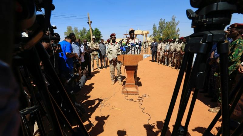 General Muhammad Hamdan Daglo 'Hemedti' speaks during a news conference at the Rapid Support Forces headquarters outside Khartoum on November 5, 2017 [Reuters/Mohamed Nureldin Abdallah]