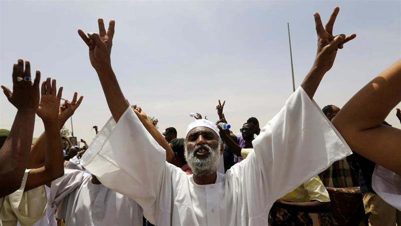 Sudan army warns protesters: 'We will not accept chaos'