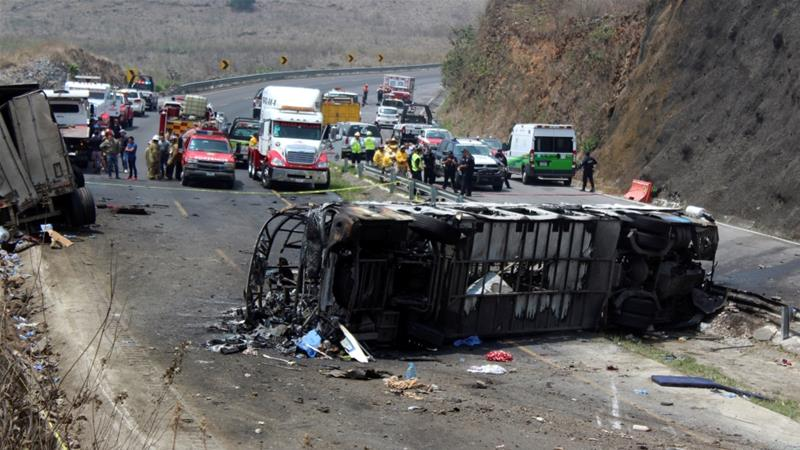 The accident took place on a highway in a region known as the Maltrata Hills [Carlos Reyes/Reuters]
