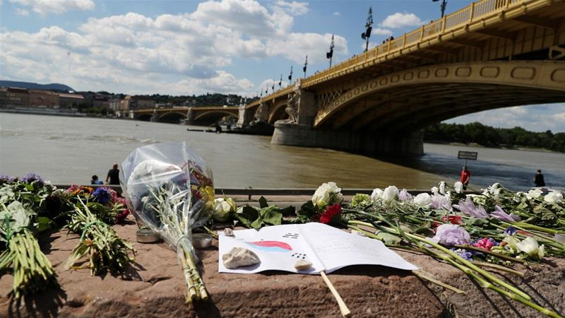 Captain charged over Budapest boat tragedy, S Koreans identified