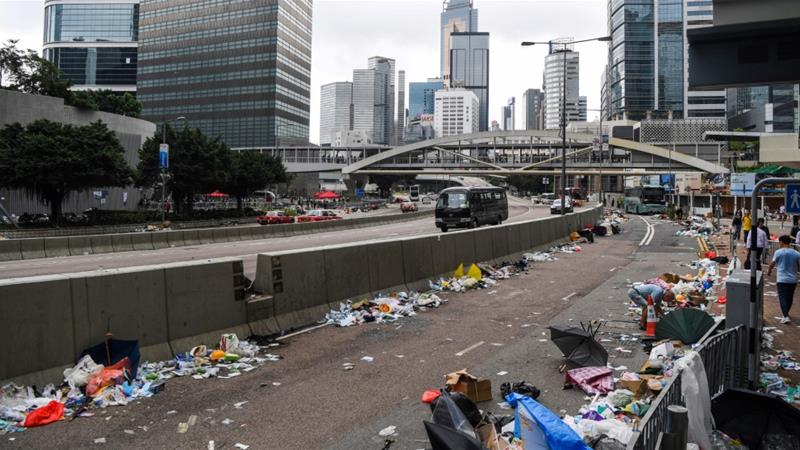 Hong Kong shuts government offices due to mass protests
