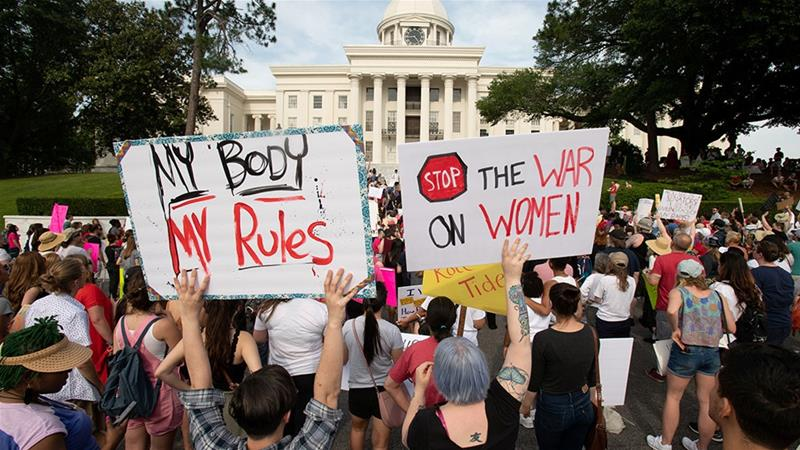 Judge blocks Alabama law banning nearly all abortions