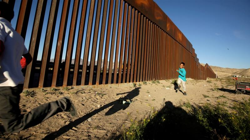 The border fence between the US and Ciudad Juarez, Mexico [File: Jose Luis Gonzalez/Reuters]