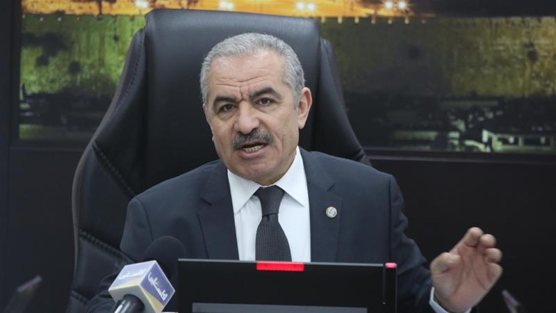 Palestinian Prime Minister Mohammad Shtayyeh leads the weekly cabinet meeting in Ramallah, occupied West Bank [Anadolu Agency]