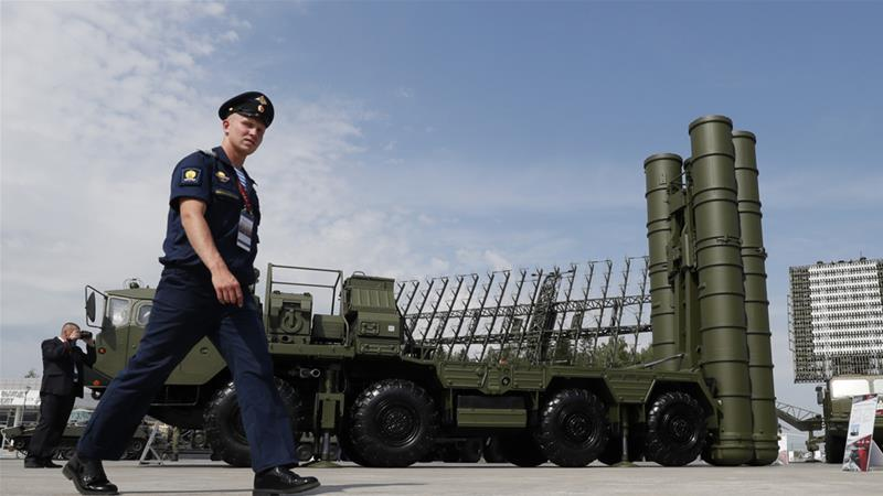 The S-400 system can simultaneously hit 36 targets within a radius of 400km and an altitude of 27km [Yuri Kochetkov/EPA-EFE]