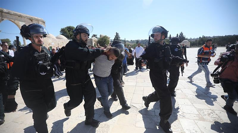 Palestinians Heroically Confront Israeli Attack on Al-Aqsa Mosque