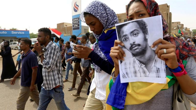 People rallied in Khartoum to protest against the killings of demonstrators [Mohamed Nureldin Abdallah/Reuters]