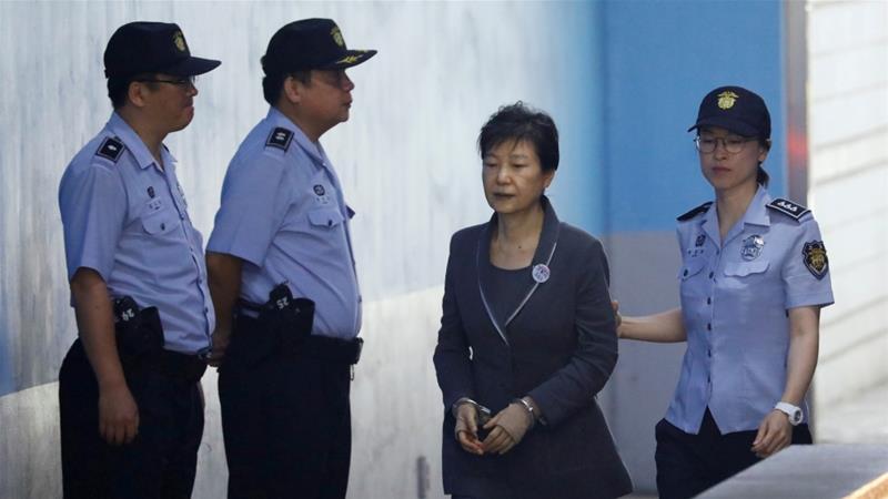 S Korea top court returns Samsung heir's bribery case for review