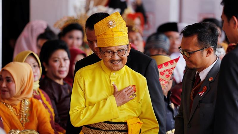 Indonesia`s Habibie, president during transition to democracy, dies