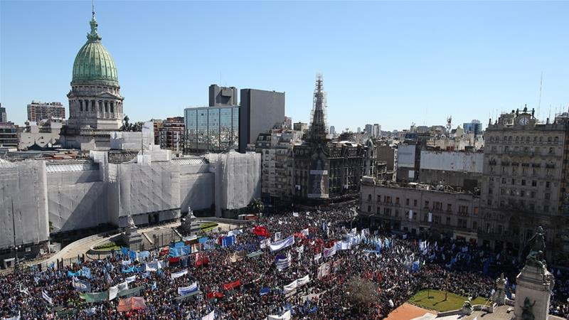 'The situation is dire': Argentines protest over food crisis