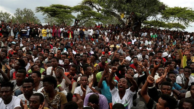 Sidama youths chat slogans as they gather for a meeting to declare their own region in Hawassa, Ethiopia July, 17, 2019. [File:Tiksa Negeri/Reuters]