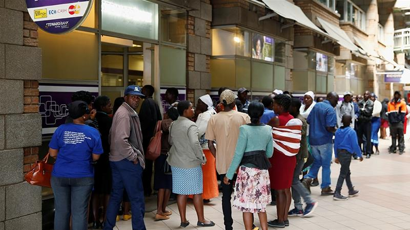 The International Monetary Fund said on Thursday that annualised inflation in Zimbabwe hit almost 300 percent in August [File: Philimon Bulawayo/Reuters]
