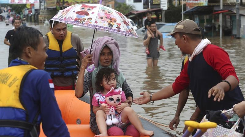 Several dead, thousands caught in flooding in Indonesian capital