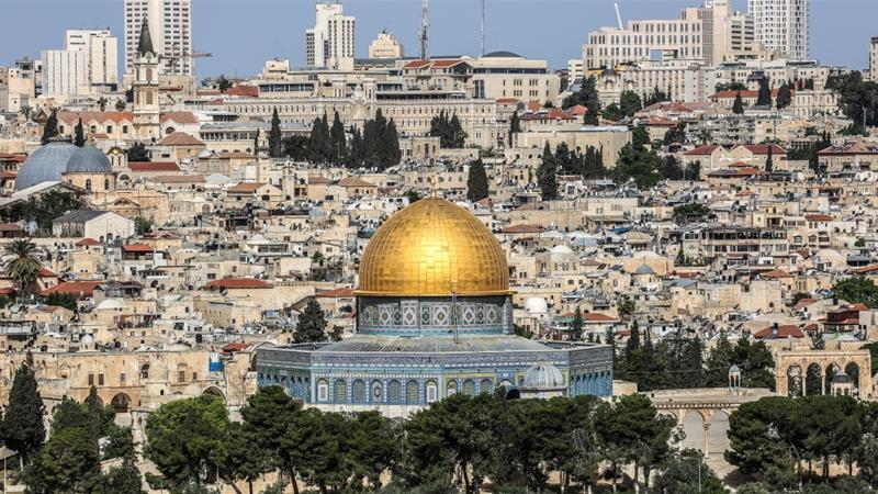 Palestinians fear Al-Aqsa Mosque would be effectively under Israeli control [Showkat Shafi/Al Jazeera]