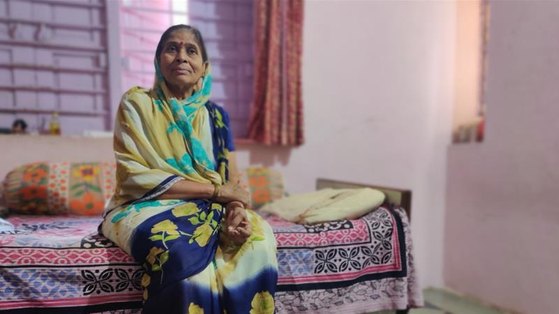 Sulochana Tale says she was asked by a bank to pay Rs 290,543 ($4,070) despite never applying for a loan [Parth MN/Al Jazeera]