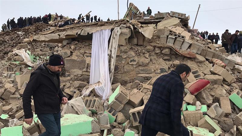 The magnitude 5.7 earthquake struck the Turkey-Iran border region [Necat Hazar/Anadolu]