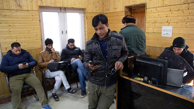 The high-speed internet on mobile networks in Kashmir will stay banned until March 26 when the government will review its restrictions [File: AP]