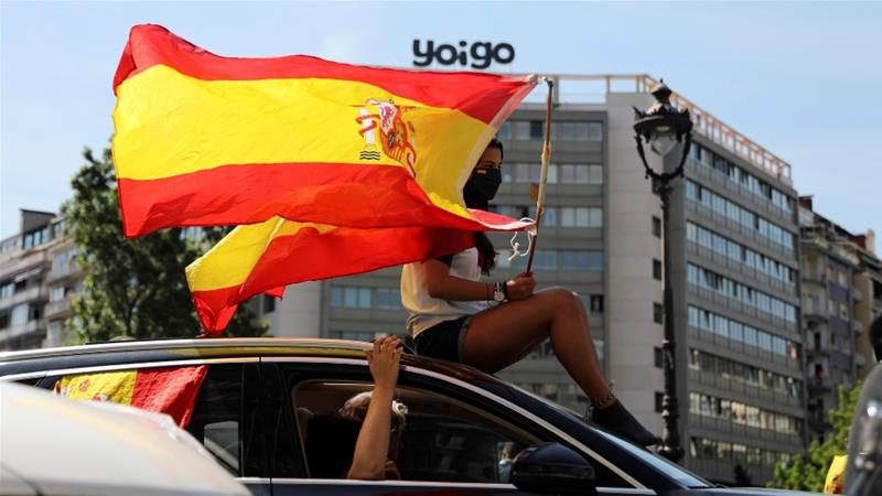 The protesters called for the resignation of Prime Minister Pedro Sanchez and his deputy [Nacho Doce/Reuters]