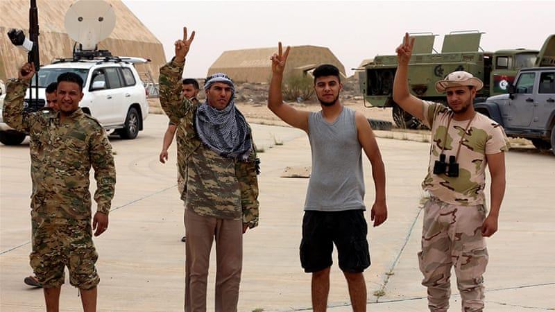 Combatientes rusos salieron volando del oeste de Libia después de las pérdidas de Haftar