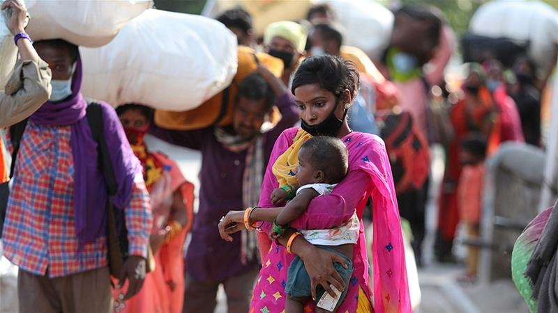 India: A toddler waking dead mother highlights migrants' misery