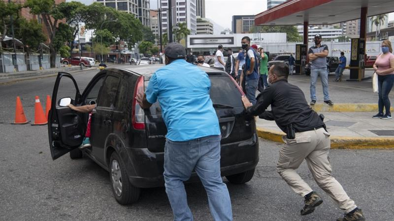 Venezuelan President Madura said fuel will be sold at 5,000 bolivars (2.5 US cents) per litre at petrol stations nationwide starting Monday, adding that the US is 'persecuting any company that brings a drop of gasoline to Venezuela' [File: Bloomberg]