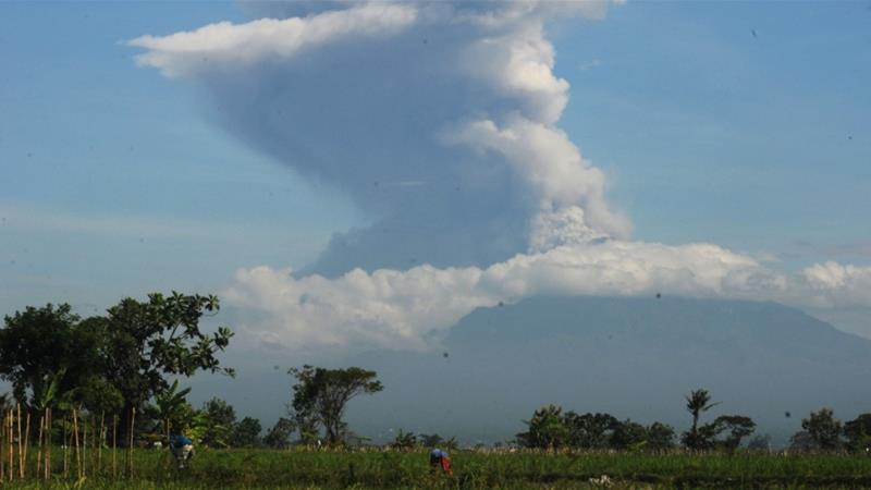 The 2,968-metre (9,737-foot) mountain is the most active of 500 Indonesian volcanoes [Aloysius Jarot Nugroho/Antara Foto via Reuters]