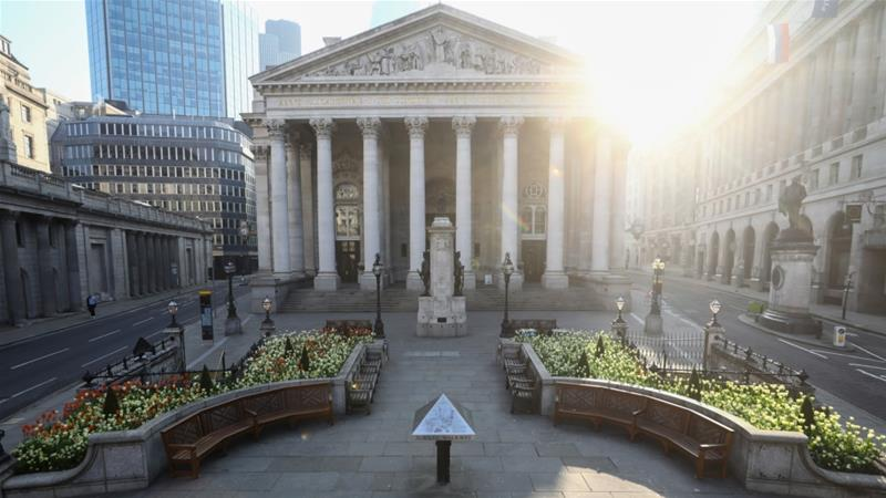 The Royal Exchange in the City of London became the epicentre of global finance when it was built in the 16th Century, but it was backed by William Garrard, former Lord Mayor and pioneer of English involvement in the slave trade [File: Simon Dawson/Bloomberg]  -