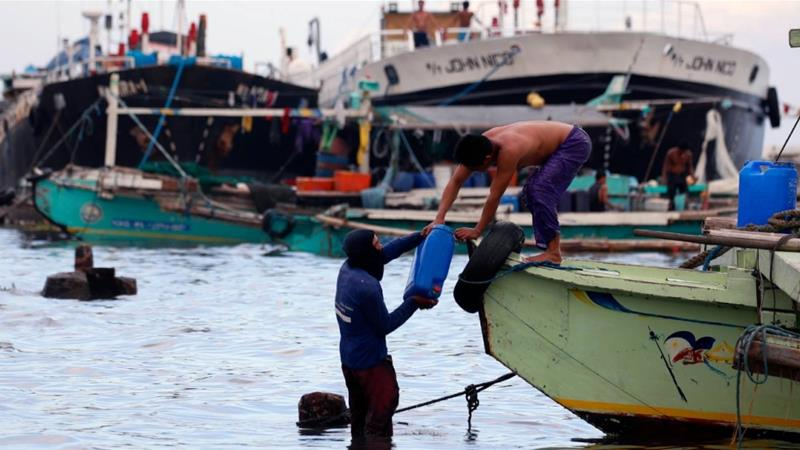 Filipino fishermen disappear after boat collided with Chinese vessel