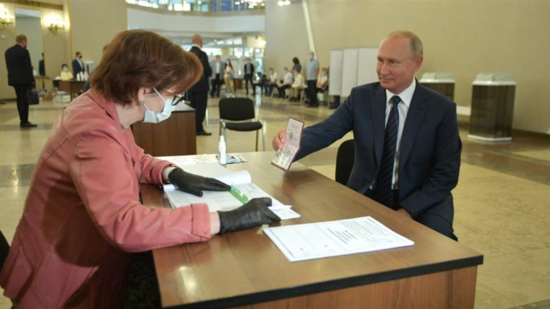 Russia: Partial results show voters back Putin term extension