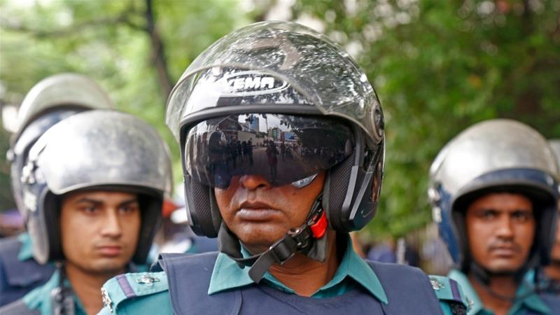 Bangladeshi police officials said they arrested suspects in the bombing of a Dhaka police station  [FIile: Monirul Alam/EPA]
