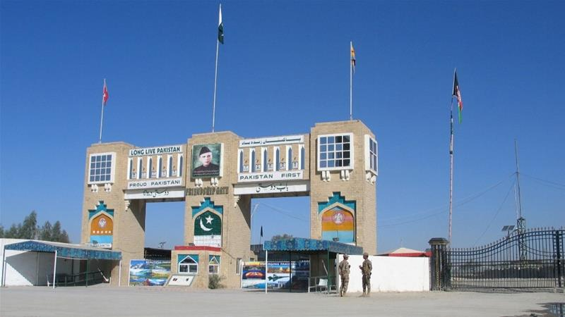 Pakistan: 4 killed in clashes with police near shut Afghan border