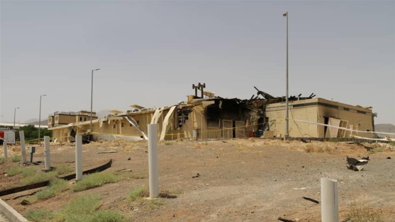 Μια άποψη ενός κατεστραμμένου κτιρίου μετά από πυρκαγιά στην πυρηνική εγκατάσταση Natanz του Ιράν στο Ισφαχάν [WANA μέσω Reuters]