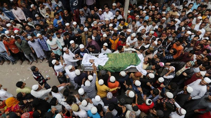 People carry the body of Hashim Ali, who died after being injured in communal riots in New Delhi, India on February 29, 2020 [File: Reuters/Adnan Abidi]