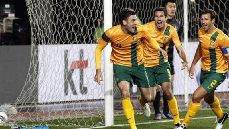 Cornthwaite and teammates celebrate late winner as Australia get back to winning ways [Reuters]
