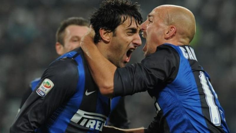 A brace from Diego Milito (L) inspired Inter to a massive win over Serie A leaders Juventus [GALLO/GETTY]