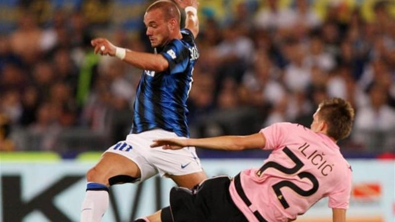 United have been linked to Inter player Wesley Sneijder (L) ahead of January transfer window [GETTY]
