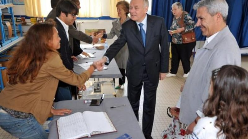 Prime Minister Jean-Marc Ayrault voted for the second round of parliamentary elections in Nantes [AFP]
