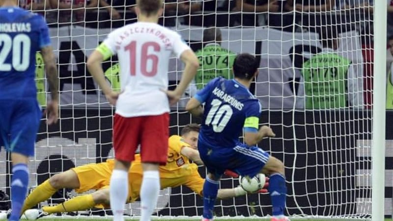 Substitute goalkeeper Tyton gains hero status after saving penalty of Giorgos Karagounis [EPA]