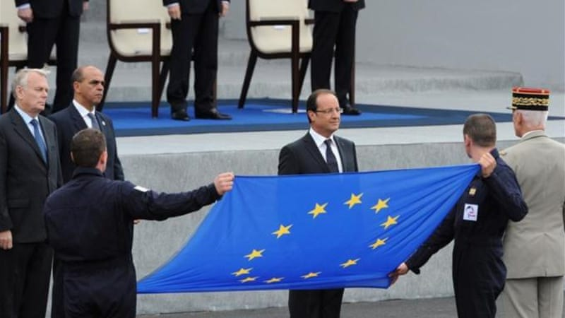 Hollande promises to fight layoffs