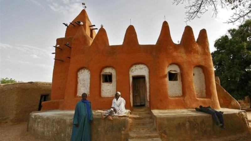 Mali's national assembly has called for army intervention in the north, where Islamists have destroyed shrines [AFP]