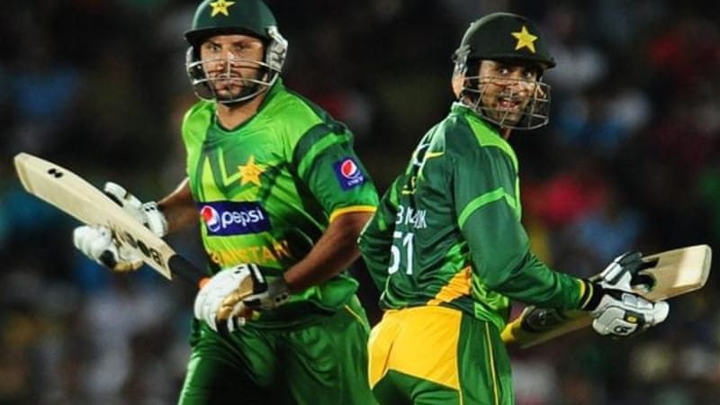 Inclusion of Shoaib Malik (R) and Shahid Afridi (L) will boost T20 Pakistan team [AFP]