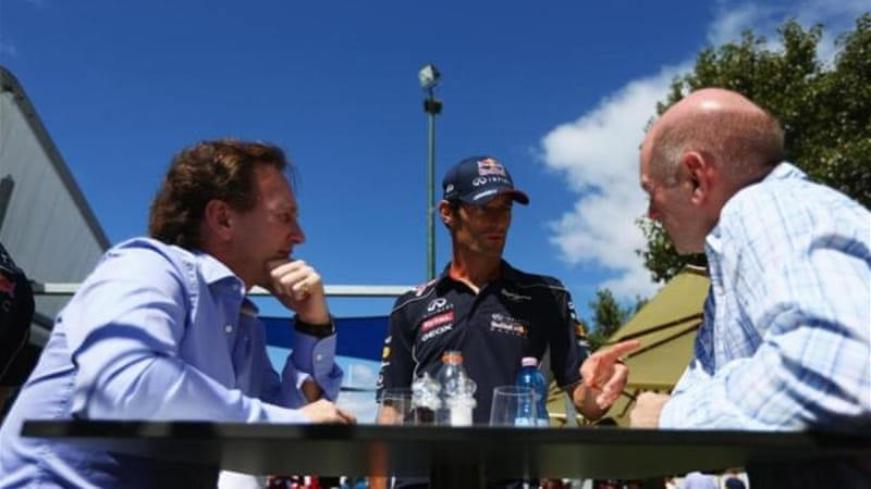 Webber (C), Team Principal Christian Horner (L) and Chief Technical Officer Adrian Newey talking tyres? [GETTY]