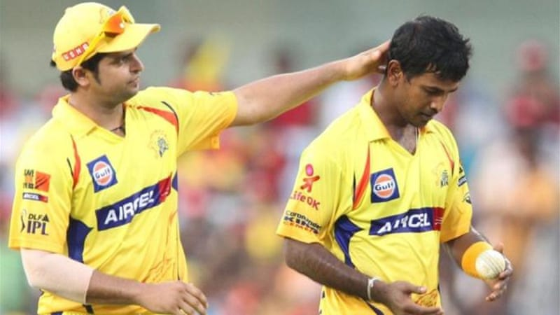 Chennai Super Kings has two Sri Lankan bowlers - Nuwan Kulasekara (R) and Akila Dananjaya [AFP]
